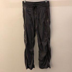 lululemon athletica Pants - Lululemon gray unlined studio pant, sz 8, 68369